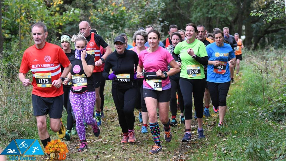 Trail runners at the Thoresby10