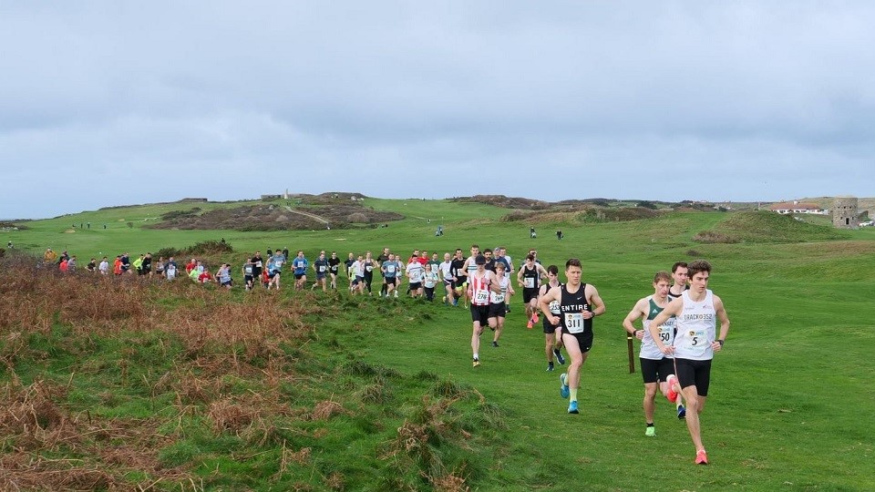 /images/2020/12/guernsey-boxing-day-cross-country-2020.jpg
