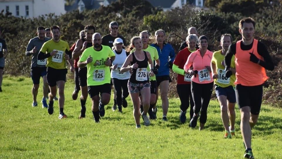 /images/2021/01/guernsey-new-years-day-cross-country-782961.jpg