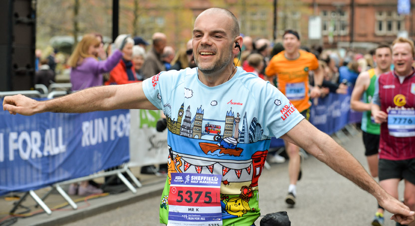Runner 'planes' at Sheffield Half