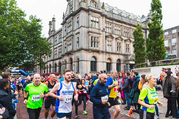 runners at City of Preston 10K 2018