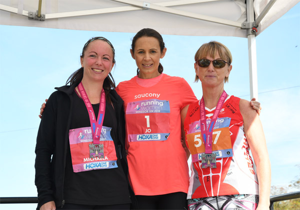 Jo Pavey with runners post-race at Windsor Women's 10K