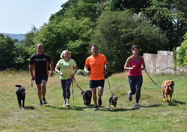 /images/runtalk/people-with-dogs-600.jpg